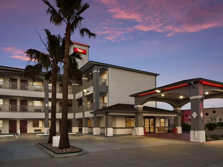 Red Roof Inn Plus Galveston Beachfront