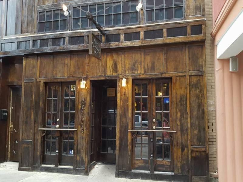 Molly's Old Cellar Bar