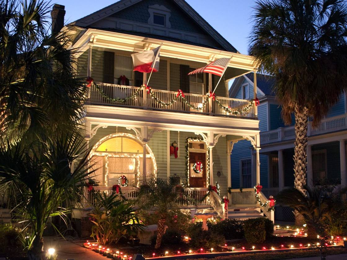 East End Holiday Homes Tour