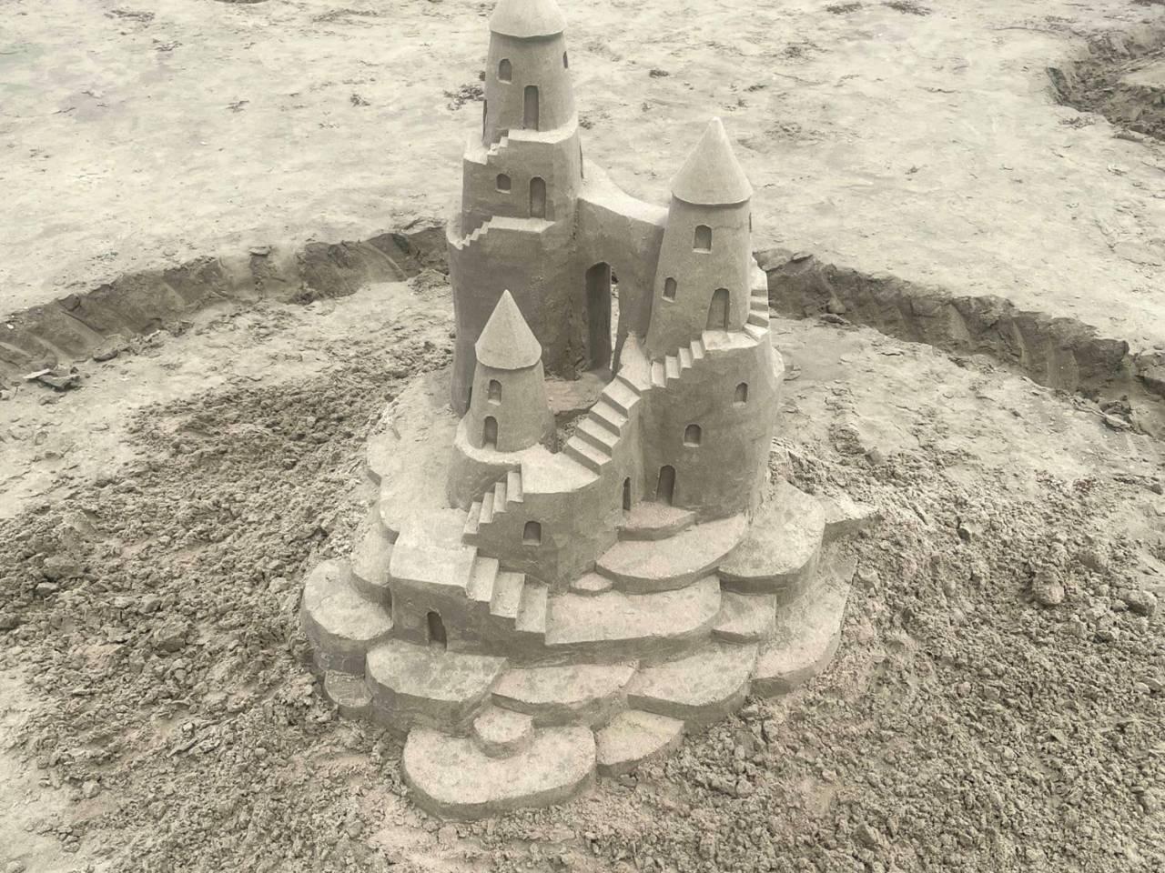 Sandy Feet Sand Castle Services