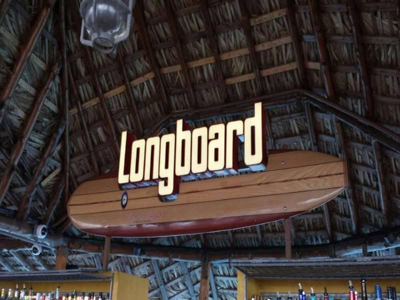 Longboard Pool Bar