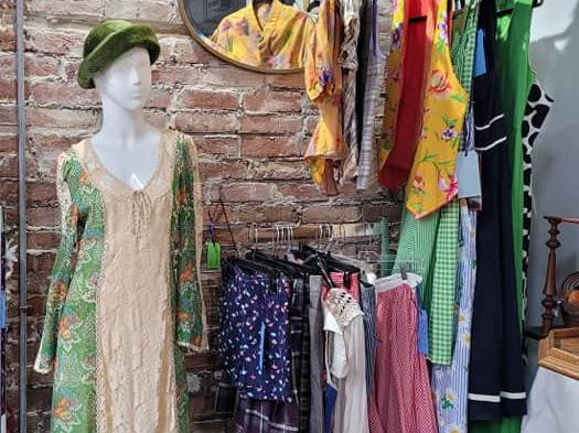 Chymoon's Vintage & Antiques
